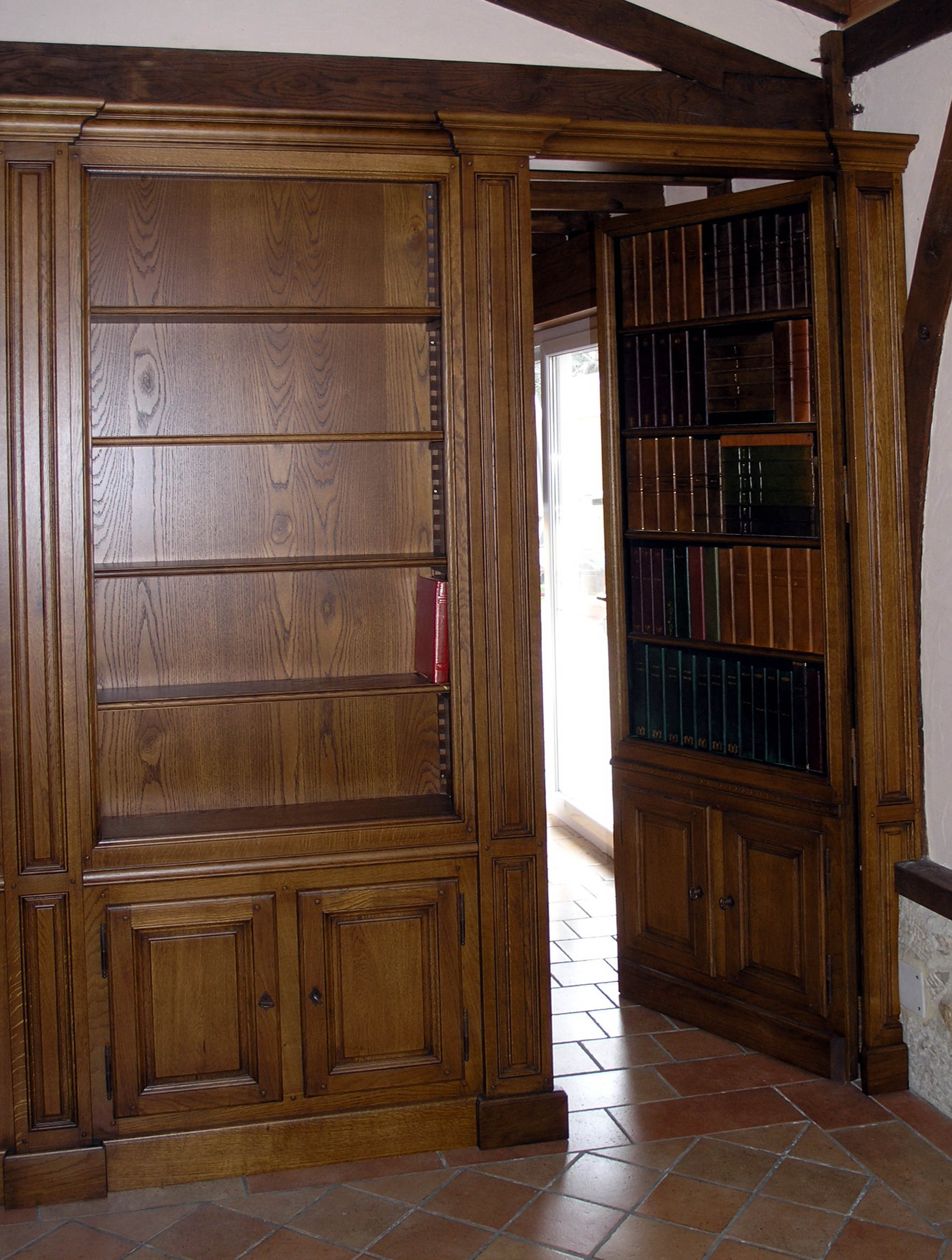 Portes d rob es passages secrets biblioth ques secret for Porte versailles