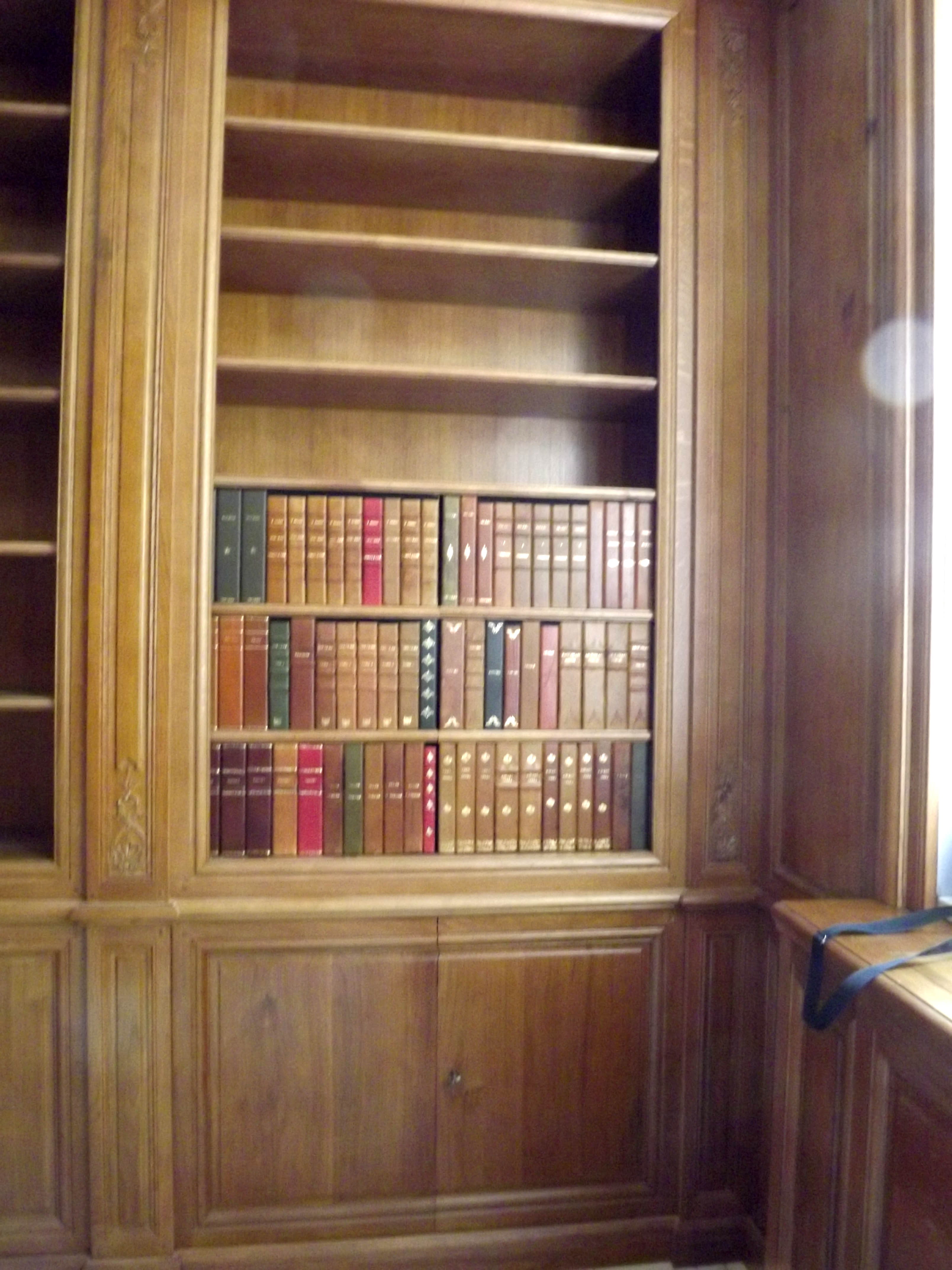 Portes D Rob Es Passages Secrets Biblioth Ques Secret  # Meuble Tv Cachee